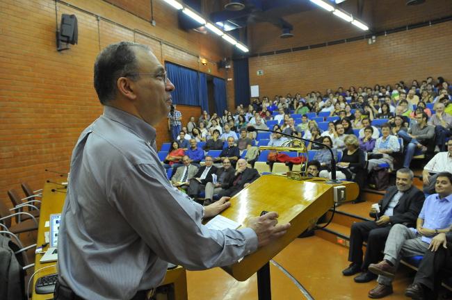 Simon A. Levin a la UB. Copyright:  J. M. Rué, Universitat de Barcelona