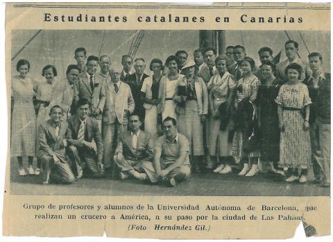 61. La prensa local recoge el paso de los estudiantes por Las Palmas de Gran Canaria.