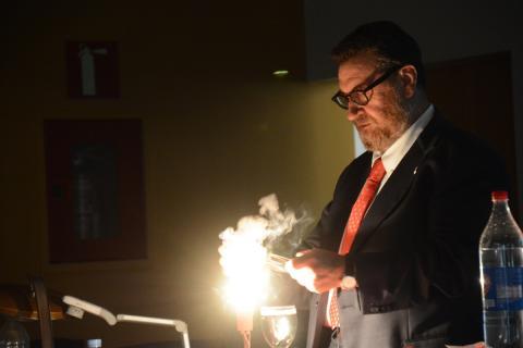 Acte d'inauguració de l'exposició Irving Langmuir i el naixement de la Ciència de Superfícies