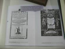 Bibliografía farmacéutica : farmacopeas : Exposición del 6 al 10 de mayo de 2002