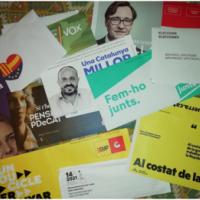 Recollida de programes i propaganda política electoral al CRAI Biblioteca del Pavelló de la República