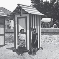 Exposició Estiueig de Proximitat 1850-1950 al Museu d'Arenys de Mar amb col·laboració del CRAI Biblioteca Pavelló de la República