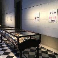Exposició El fil per a cosir la història de la medicina al CRAI Biblioteca del Campus Clínic