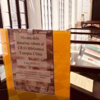 Exposició dels donatius rebuts al CRAI Biblioteca del Campus Clínic durant el curs 2018/2019