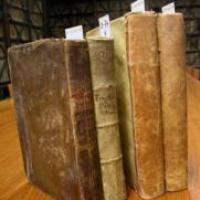 Donatiu de tres obres de la biblioteca familiar de Josep Coroleu i Inglada al CRAI Biblioteca de Reserva