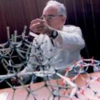 Exposició virtual: Homenatge al Dr. Castells (1925-2018)