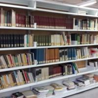 El CRAI Biblioteca de Farmàcia i Ciències de l'Alimentació rep un donatiu del Museu de la Farmàcia Catalana