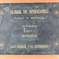 El Taller de Restauració del CRAI restaura l'àlbum de radiografies del Dr. Morales