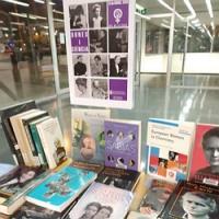 Dones i Ciència, mostra bibliogràfica al CRAI Biblioteca de Física i Química