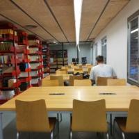 Millores en els equipaments al CRAI Biblioteca de Dret
