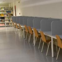 Noves taules individuals al CRAI Biblioteca de Biologia