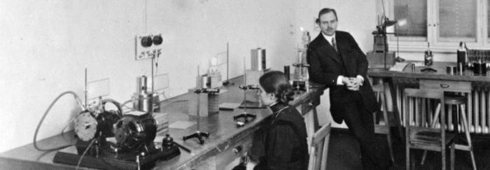 Lise Meitner i Otto Hahn (Berlin, 1909)
