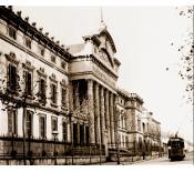 Imatge antiga de la façana de la Facultat de Medicina