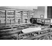 Laboratori de la càtedra de Medicina Legal i Toxicologia cap a principis del segle XX.